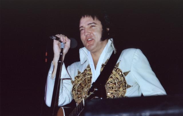 Elvis live nel 1977