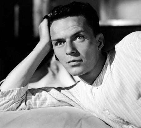 Un giovane Frank Sinatra