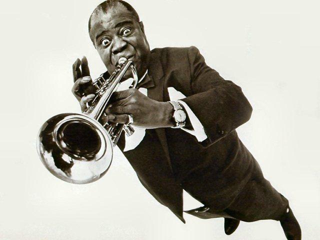 Louis Armstrong con la sua fedele tromba