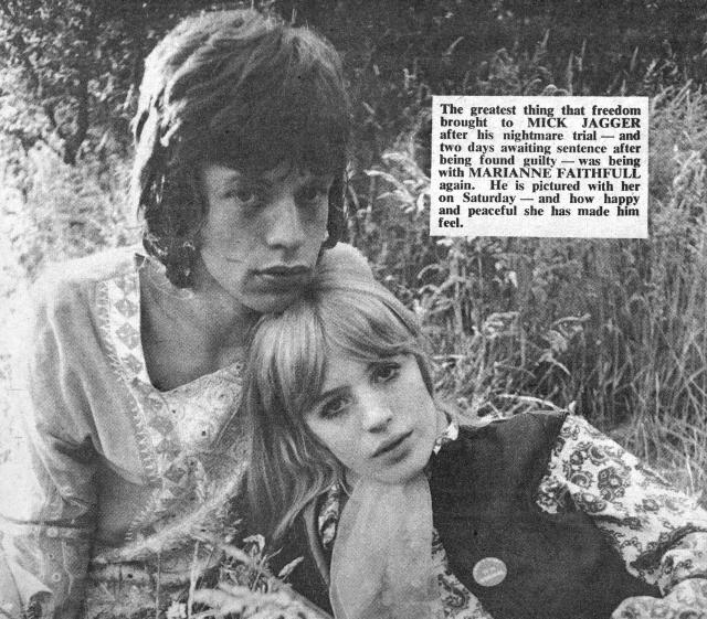 Una delle coppie più invidiate del rock: Mick Jagger e Marianne Faithfull alla fine dei '60