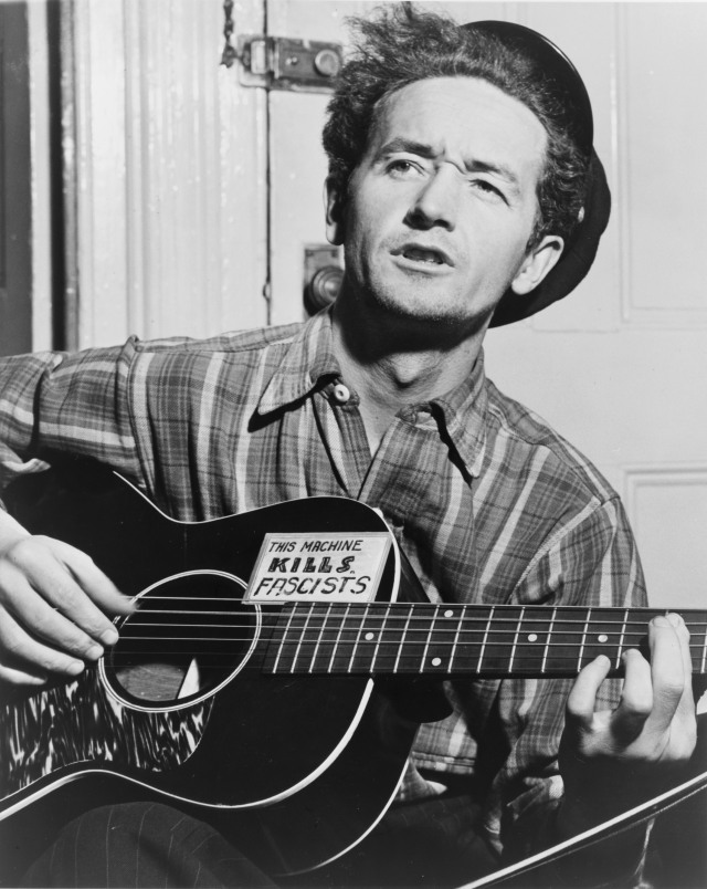 "Woody Guthrie e la sua ""macchina che uccide i fascisti"""