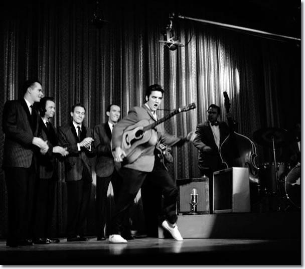 L'infuocato show di Elvis